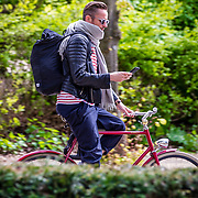 NLD/Amsterdam/20170413 - Patrick Martens op de fiets