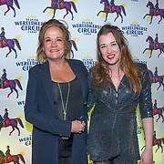 NLD/Amsterdam/20191219 - Wereldkerstcircus in Carre 2019, Xandra Brood en dochter Lola
