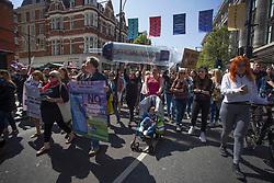 © Licensed to London News Pictures.  24/04/2021. London, UK. Anti-vaccination and anti-lockdown protesters take part in an organised march through central London. Photo credit: Marcin Nowak/LNP