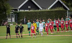 De to hold går på banen til kampen i Sydbank Pokalen, 1. runde, mellem Bispebjerg Boldklub og FC Helsingør den 2. september 2020 i Lersø Parken (Foto: Claus Birch).