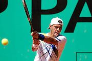 Roland Garros. Paris, France. 24 Mai 2010..Le joueur francais Paul-Henri MATHIEU contre Marcel GRANOLLERS...Roland Garros. Paris, France. May 24th 2010..French player Paul-Henri MATHIEU against Marcel GRANOLLERS..
