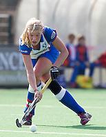 BLOEMENDAAL - Suzanne Meijering, aanvoerder van HC Zwolle tijdens de overgangsklasse competitiewedstrijd hockey tussen de vrouwen van Bloemendaal en Zwolle (2-0). COPYRIGHT KOEN SUYK