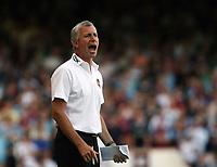 Photo: Chris Ratcliffe.<br /> West Ham United v Aston Villa. The Barclays Premiership. 10/09/2006.<br /> Alan Pardew of West Ham.