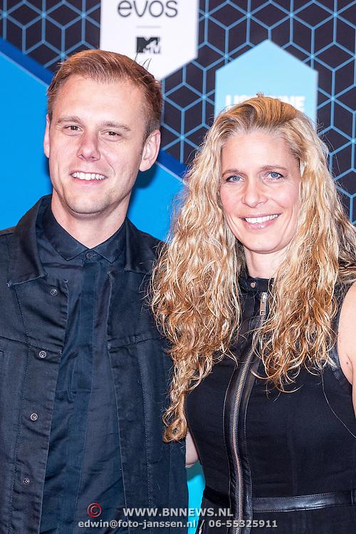 NLD/Rotterdam/20161106 - MTV EMA's 2016, Armin van Buuren en partner Erika van Thiel