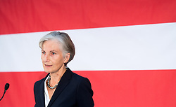 30.11.2016, Labstelle, Wien, AUT, Pressekonferenz mit Altpräsident Fischer und Griss, im Bild ehemalige Präsidentin des Obersten Gerichtshofes Irmgard Griss // former candidate for presidential elections Irmgard Griss during press conference due to the presidential elections in Austria in Vienna, Austria on 2016/11/30, EXPA Pictures © 2016, PhotoCredit: EXPA/ Michael Gruber