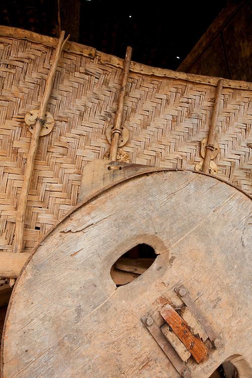 Matipo_MG, Brasil...Detalhe da roda do carro de boi em Matipo...Detail of the oxcart in Matipo...Foto: BRUNO MAGALHAES / NITRO