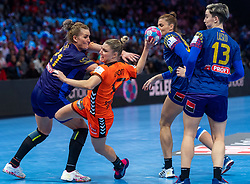 16-12-2018 FRA: Women European Handball Championships bronze medal match, Paris<br /> Romania - Netherlands 20-24, Netherlands takes the bronze medal / Nycke Groot #17 of Netherlands, Crina-Elena Pintea #21 of Romania, Ana-Maria  Dragut #90 of Romania, Cristina Laslo #13 of Romania