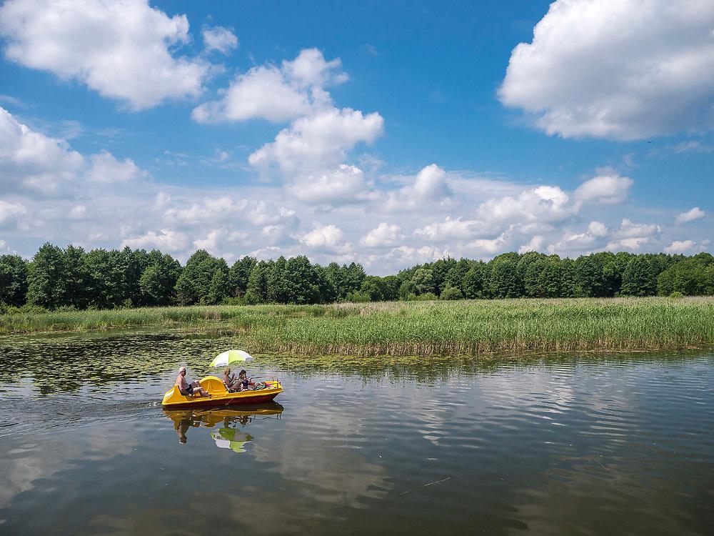 Rzeka Netta - rower wodny, Augustów, Polska<br /> Netta river - water bike, Augustów, Poland