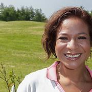 NLD/Abcoude/20120530 - Gekleurde bn' ers gaan multicultureeel golfen, Nurlaila Karim