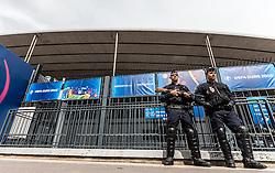 16-06-2016 FRA: UEFA EURO Duitsland - Polen, Parijs<br /> Groep C 2e wedstrijd Stade de France - heavily armed police outside the stadium during <br /> <br /> ***NETHERLANDS ONLY***