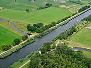 Nederland, Overijssel, Gemeente Almelo; 21–06-2020;  Bornerbroek, zijtak Almelo van het Twentekanaal. Kruising met De Doorbraak, nieuw aangelegde beek. De nieuwe waterloop deels de Bornerbroekse Waterleiding, fungeert als opvang van water en afvoermogelijkheid bij extreme regenval. <br /> Bornerbroek, Almelo branch of the Twente Canal. Crossing with De Doorbraak, a newly constructed brook. The new watercourse, partly called the Bornerbroekse Waterleiding, functions as a collection of water and a drainage facility in case of extreme rainfall.<br /> <br /> luchtfoto (toeslag op standaard tarieven);<br /> aerial photo (additional fee required)<br /> copyright © 2020 foto/photo Siebe Swart