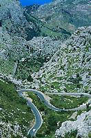 Espagne. Baleares. Ile de Majorque. Route en lacet vers La Calobra. // Road to La Calobra. Majorque island. Baleares. Spain