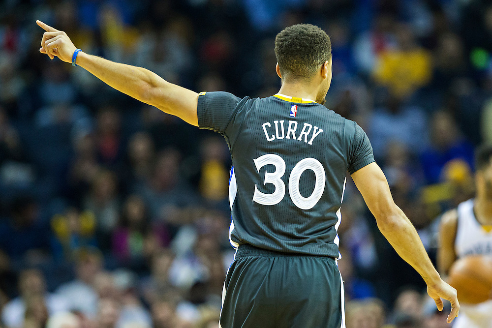 MEMPHIS, TN - DECEMBER 10:  Stephen Curry #30 of the Golden State Warriors on the court during a game against the Memphis Grizzlies at the FedExForum on December 10, 2016 in Memphis, Tennessee.  The Grizzlies defeated the Warriors 110-89.  NOTE TO USER: User expressly acknowledges and agrees that, by downloading and or using this photograph, User is consenting to the terms and conditions of the Getty Images License Agreement.  (Photo by Wesley Hitt/Getty Images) *** Local Caption *** Stephen Curry