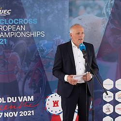 10-05-2021: Wielrennen: persmoment EK veldrijden: Wijster<br />Gedeputeerde Henk Brink