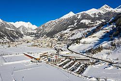 THEMENBILD - Übersicht auf das verschneite Matrei in Osttirol, Österreich am Dienstag, 5. Januar 2021. Luftbild, aufgenommen mit einer Drohne, nach den starken Schneefällen welche vom 5. bis 8. Dezember 2020 sowie vom 1. bis 3 Jänner 2021 über Osttirol und Oberkärnten nieder gingen, sorgten für grosse Neuschneemengen in der Region // Overview of the snowy Matrei in East Tyrol, Austria on Tuesday, January 5, 2021. Aerial photo, taken with a drone, after the heavy snowfalls which fell over East Tyrol and Upper Carinthia from December 5 to 8, 2020, and from January 1 to 3, 2021, caused large amounts of new snow in the region. EXPA Pictures © 2021, PhotoCredit: EXPA/ Johann Groder