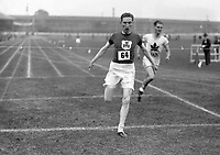 H905<br /> Aonach Tailteann Athletics - Croke Park. Moore wins race.<br /> 1928. (Part of the Independent Newspapers Ireland/NLI Collection)