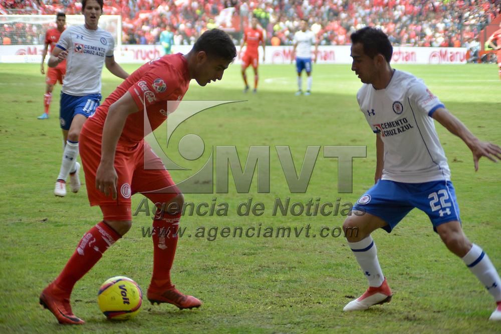 TOLUCA, México.- (Enero 28, 2018).- Los Diablos Rojos del Toluca empataron ante la Maquina Cementera del Cruz Azul con un marcador final 1-1, en el Estadio Nemesio Diez. Agencia MVT / Crisanta Espinosa.