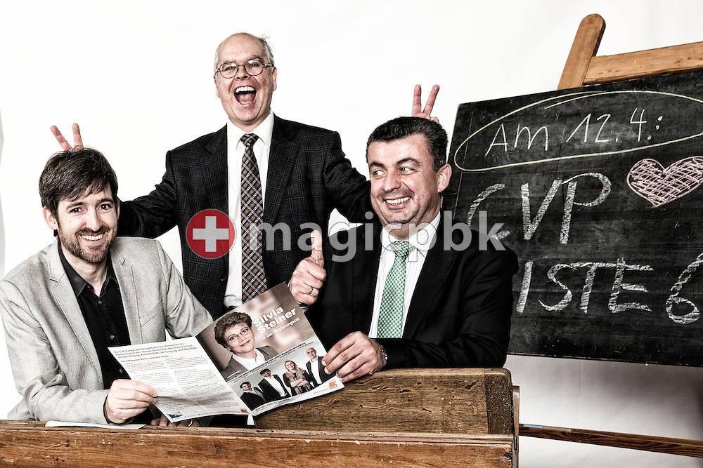 Kandidaten CVP Liste 6 des Kanton Zuerich: Philipp Kutter, von links, Peter Theiler und Evangelos Papoutsis posieren fuer ein Foto in historischen Schulbaenken am 18. Maerz 2015 in Thalwil. (Photo by Patrick B. Kraemer / MAGICPBK)