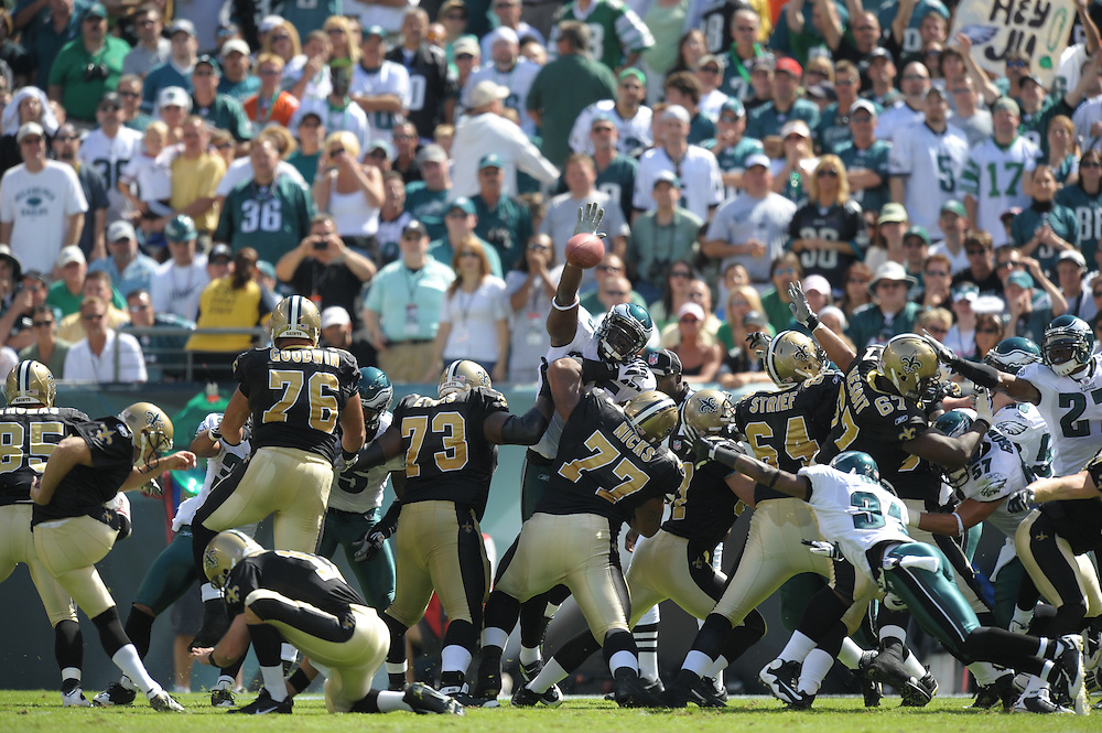 PHILADELPHIA - SEPTEMBER 20:  The Philadelphia Eagles special teams try to block a field goal during the game against the New Orleans Saints on September 20, 2009 at Lincoln Financial Field in Philadelphia, Pennsylvania. (Photo by Drew Hallowell)  *** Local Caption ***