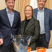 NLD/Den Haag/20190919 - Prinses Margarita exposeert op Masterly The Hague, Prinses Margarita en haar neef Prins Pieter Christiaan en Alexander Pechteld