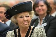 Prinses Beatrix bij viering 200 jaar Commissie van Toezicht op gevangeniswezen in Vergadercentrum Regardz Eenhoorn Amersfoort.<br /> <br /> Princess Beatrix at celebration 200 years Supervisory Committee on Prisons in Conference center Regardz Unicorn Amersfoort.<br /> <br /> Op de foto / On the photo: <br /> <br />  Princes beatrix
