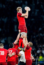 England replacement Joe Launchbury wins a lineout - Mandatory byline: Rogan Thomson/JMP - 07966 386802 - 18/09/2015 - RUGBY UNION - Twickenham Stadium - London, England - England v Fiji - Rugby World Cup 2015 Pool A.