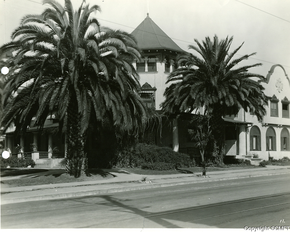 1941 The Hollywood Hotel
