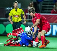 ANTWERP - BELFIUS EUROHOCKEY Championship  . Belgium v Spain (men) (5-0).  Tom Boon (Belgie) with goalkeeper Francisco Cortes (Esp) . Tom Boon scores.  WSP/ KOEN SUYK