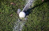 AMSTELVEEN - ILLUSTRATIE - Hockey op echt gras in het Amsterdamse Bos bij VRA. Wedstrijd tussen Hurley D10 en Amsterdam D12. COPYRIGHT KOEN SUYK