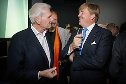 König Willem-Alexander der Niederlande, Adriaan van Dis bei der Eröffnungsfeier der 68. Frankfurter Buchmesse / 181016<br /> <br /> <br /> *** King of the Netherlands and King and queen of Belgium during the opening of the Frankfurt Book Fair and the Dutch and Flemish Pavilion on October 18, 2016 ***