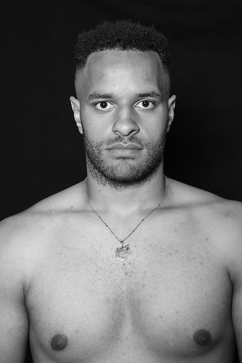 BOXEN: Studio, Portrait of a Boxer, Hamburg, 02.07.2020<br /> Collin Bisenberger<br /> © Torsten Helmke