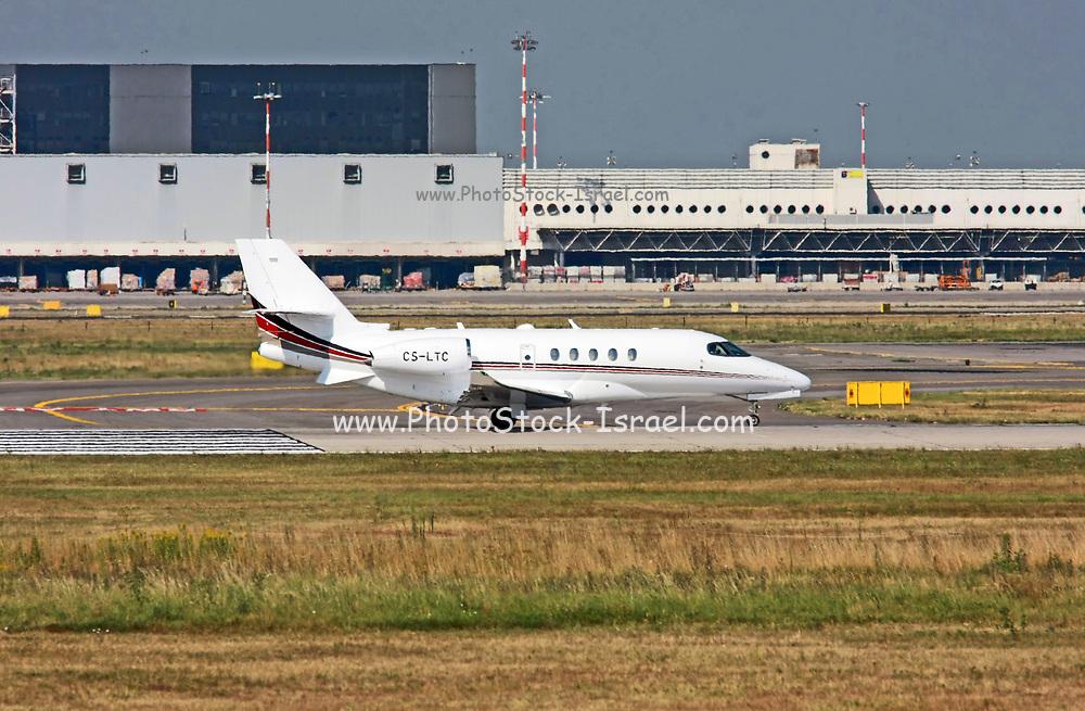 CS-LTC NetJets Europe Cessna 680 Citation Sovereign at Malpensa (MXP / LIMC), Milan, Italy