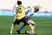 Fotball<br /> Olympiske leker i Aten<br /> Finale<br /> Argentina v Paraguay<br /> 28. august 2004<br /> Foto: Digitalsport<br /> NORWAY ONLY<br /> ANDRES D'ALESSANDRO (ARG) / DIEGO FIGUEREDO (PAR