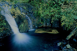 Columbia River Gorge Waterfall Pool, Columbia River Gorge National Scenic Area, Oregon, US, October 2001