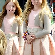 Koningsdag 2014 in Amstelveen, het vieren van de verjaardag van de koning. / Kingsday 2014 in Amstelveen, celebrating the birthday of the King. <br /> <br /> <br /> Op de foto / On the photo:  Prinses Amalia en Ariane  / Princes Amalia and Ariane