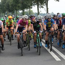 30-08-2017: Wielrennen: Boels Ladies Tour: Arnhem  <br />Ontspannen in het peloton Anna van der Breggen