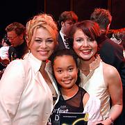 Premiere 3 Musketiers, Antje Monteiro, dochter Romy en Maaike Widdershoven