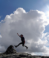 Man jumping at Lillsylen