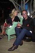 Peter Fonda. Talk pre-Golden Globes party. Mondrian Hotel.  West Hollywood, California USA 20 January 2001. © Copyright Photograph by Dafydd Jones 66 Stockwell Park Rd. London SW9 0DA Tel 020 7733 0108 www.dafjones.com