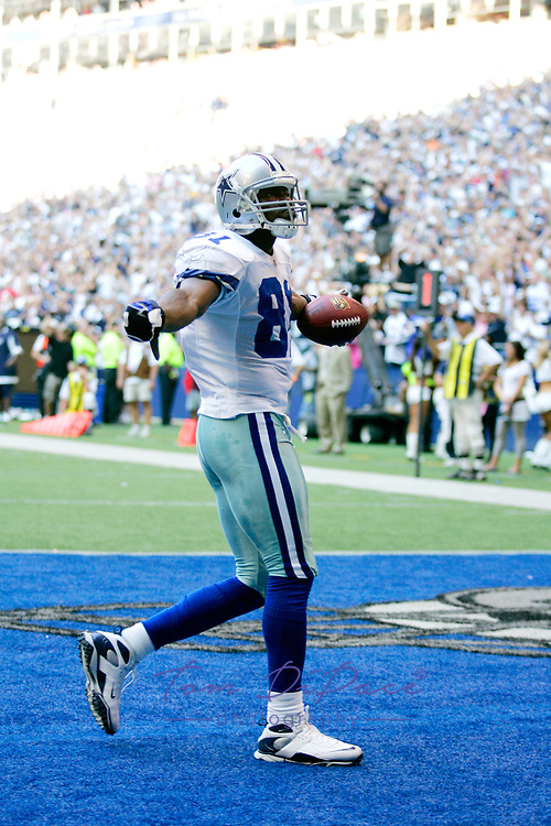 Dallas Cowboys Terrell Owens plays in  game against the Washington Redskins on September 21,2008.<br /> (Tom DiPace)