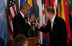 September 20, 2016 - New York, New York, United States of America - United States President Barack Obama (L) toasts the United Nations Secretary-General Ban-Ki moon a luncheon for world leaders during the United Nations 71st session of the General Debate at United Nations  headquarters in New York, New York, USA, 20 September 2016..Credit: Peter Foley / Pool via CNP (Credit Image: © Peter Foley/CNP via ZUMA Wire)