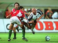Fotball: v.l. Gabor HALMAI, Carsten JANCKER Deutschland<br /><br />        Ungarn - Deutschland  2:5 / Ungarn-Tyskland 2-5
