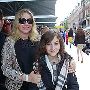 NLD/Amsterdam/20110904 - Grazia PC Catwalk 2011, Fiona Hering en dochter India