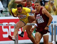 Friidrett , 12. juli 2006 , Gøteborg , EM ,<br /> Europamesterskapet ,<br /> Athletics , European  Championship <br /> Robert Kronberg , Sverige bak vinneren , Stanislav Olijar , LAT på 110 mh
