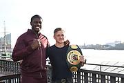 BOXEN: EC Boxpromotion & SES Boxing, Pressekonferenz, Hamburg, 17.12.2019<br /> Peter Kadiru (l.) und Sebastian Formella<br /> © Torsten Helmke