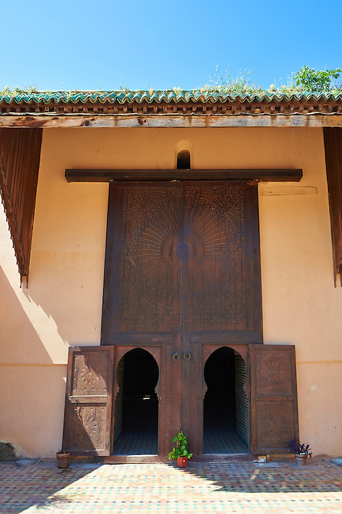 The Arabesque entrance of the 17th century Berber Pavillion of the Ambassadors built Sultan Moulay Ismail.   A UNESCO World Heritage Site .Meknes, Meknes-Tafilalet, Morocco.