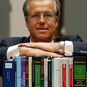 Mr. Ton de Waard Clifford Chance advocaat energierecht