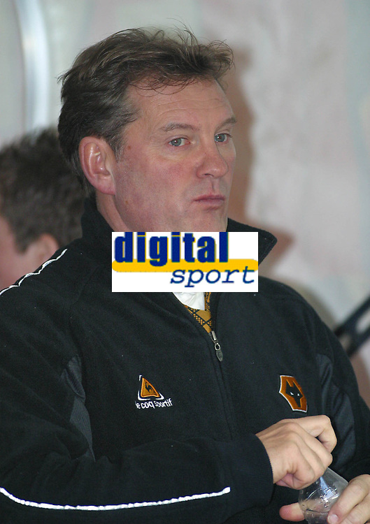 Photo: Dave Linney.<br />Wolverhampton Wanderers v Plymouth Argyle. The FA Cup.Wolves Mgr Glen Hoddle<br />07/01/2006.