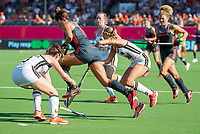 ANTWERPEN - Frederique Matla (Ned)  met Kira Horn (Ger)    tijdens  de   finale  dames  Nederland-Duitsland  (2-0) bij het Europees kampioenschap hockey.   COPYRIGHT  KOEN SUYK