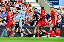Henry Slade of Exeter Chiefs celebrates scoring his sides fourth try of the game  - Mandatory by-line: Ryan Hiscott/JMP - 01/06/2019 - RUGBY - Twickenham Stadium - London, England - Exeter Chiefs v Saracens - Gallagher Premiership Rugby Final